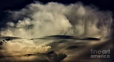 Priska Wettstein Pink Hues - Portrait of a storm by Steve Crompton