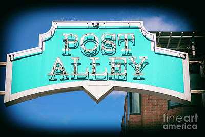 Photograph - Post Alley Seattle by Mariola Bitner