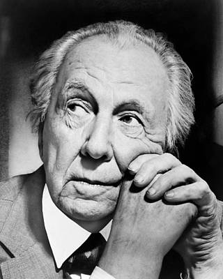 Chin Up Photograph - Potrait Of Frank Lloyd Wright by Underwood Archives