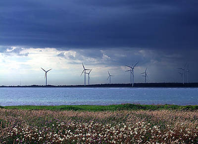 Photograph - Power From The Wind by George Cousins