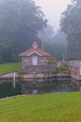 Photograph - Pump House In Fog by Tom Singleton