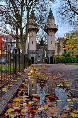 Photograph - Powis Towers In Autumn by Veli Bariskan