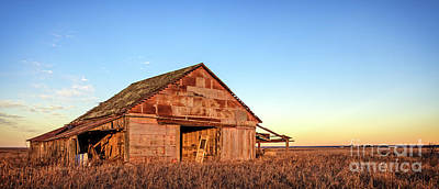 Photograph - Prairie Barn by Charles Dobbs