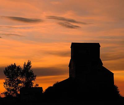 Photograph - Prairie Dusk by Tony Beck