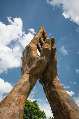Praying Hands - Oral Roberts University In Tulsa Oklahoma Art Print