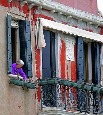 Photograph - Preparing A Window Plant Box In Venice, Italy by Richard Rosenshein