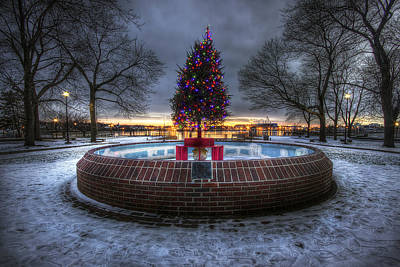 Prescott Park Christmas Tree Art Print by Eric Gendron
