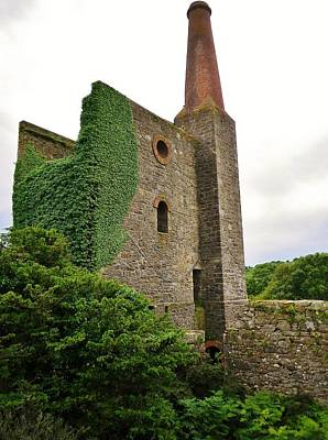 Photograph - Prince Of Wales Engine House At Phoenix United Mine Bodmin Moor by Richard Brookes