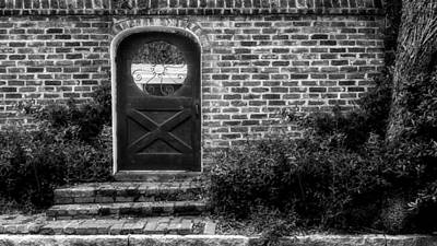 Photograph - Prioleau Street Entrance - Charleston - 2 by Frank J Benz