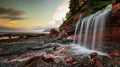 Photograph - Private Waterfall at Low Tide by Howard Yermish