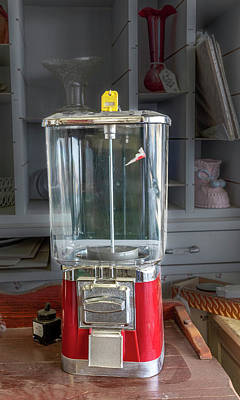 Photograph - Pro Supreme Gumball Machine by Gene Parks