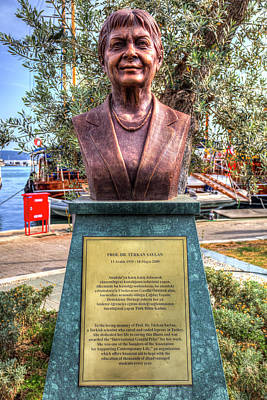 Photograph - Professor Turkan Saylan Statue by David Pyatt