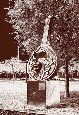 Photograph - A Face Of Public Art by Lorraine Devon Wilke