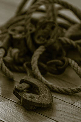 Wall Art - Photograph - Pulley Still Life by Giovanni Arroyo