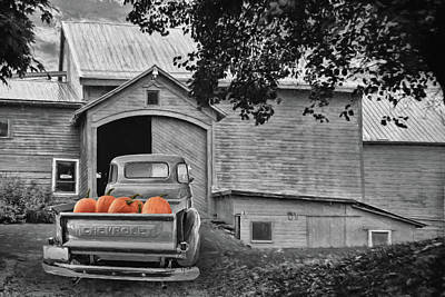 Photograph - Pumpkin Truck by Lori Deiter