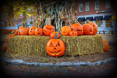 Photograph - Pumpkins In Market Square by Suzanne DeGeorge