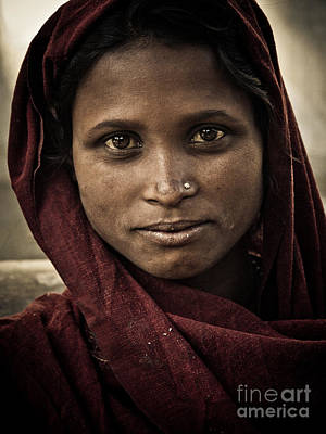 Photograph - pushkar girl III by Derek Selander