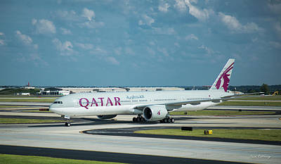 Photograph -  Qatar Airways Boeing 777-300er Hartsfield-jackson Atlanta International Airport Art by Reid Callaway
