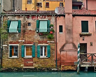 Tuscan Dusk Photograph - Quaint Venetian Home by Frozen in Time Fine Art Photography