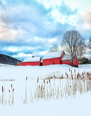 Photograph - Quechee Vermont Red Barn Farm by John Vose