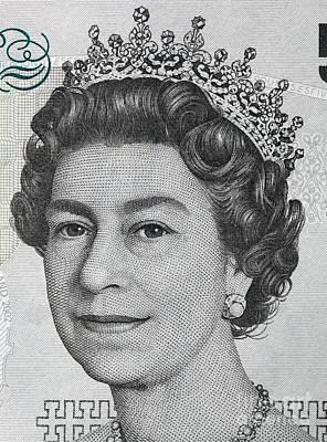 Details Photograph - Queen Elizabeth II Portrait On 5 Pound Sterling Banknote by Michal Bednarek
