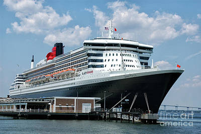 Photograph - Queen Mary 2 Cunard Cruise Ship by Dale Powell