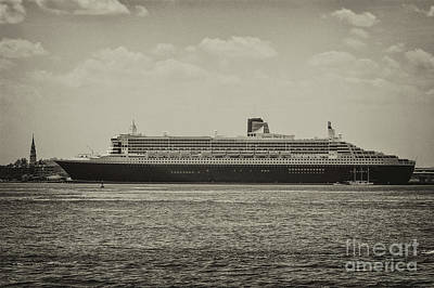 Photograph - Queen Mary 2 In Sepia by Dale Powell