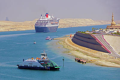 Photograph - Queen Mary 2 Suez Crossing by Dennis Cox WorldViews