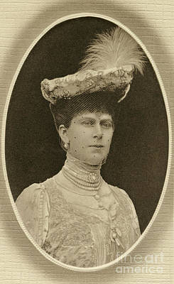 Photograph - Queen Mary by Granger