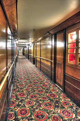 Photograph - Queen Mary Hotelpassageway by David Zanzinger