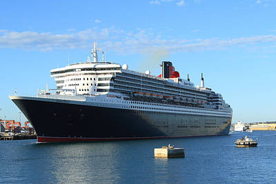 Photograph - Queen Mary II  At Fremantle Wa by Tony Brown