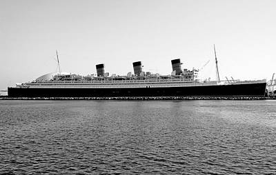 Photograph - Queen Mary by Robert Meyers-Lussier
