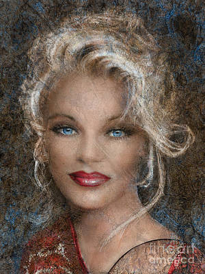 Portrait Painting - Queen Of Glamour by Angie Braun