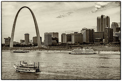 Photograph - Queen Of The Mississippi And Tom Sawyer Monotone 7r2_dsc9364_06182017 by Greg Kluempers