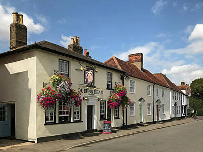 Photograph - Queens Head Knight Street Sawbridgeworth by Gill Billington