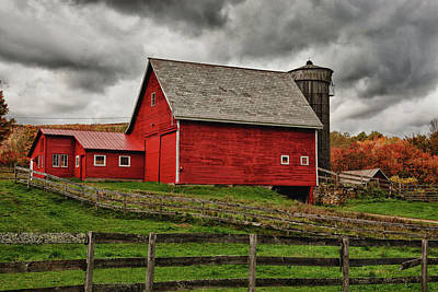 Photograph - Quiet Red Barn In Vermont Fall Foliage by Jeff Folger