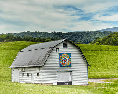 Photograph - Quilt Barn  by Kerri Farley