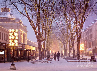 Quincy Market Stroll Art Print by Susan Cole Kelly