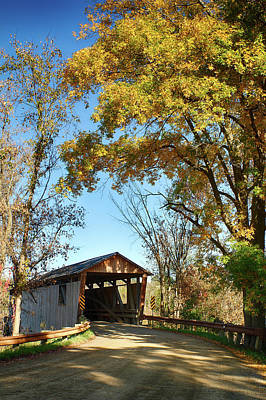 Photograph - Quinlans Covered Bridge by Jeff Folger