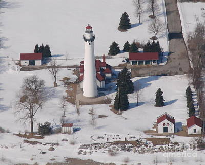 Photograph - R-008 Racine Windpoint Lighthouse In Winter by Bill Lang