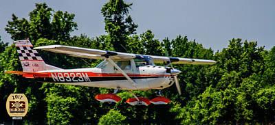 Photograph - Race N8323m Fly By by Jeff Kurtz