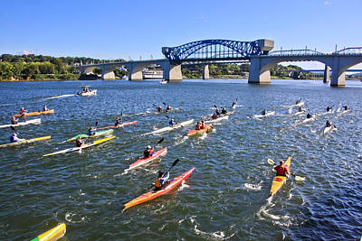 Chattanooga Tennessee Photograph - Race On The River by Tom and Pat Cory