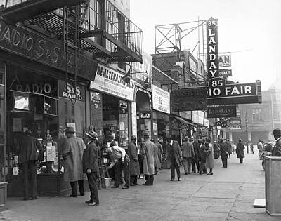Photograph - Radio Alley In New York by Underwood Archives