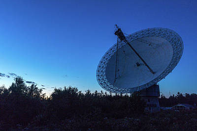 Photograph - Radio Telescope At Dusk by Josef Pittner