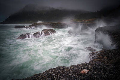 Photograph - Raging Waves On The Oregon Coast by William Lee