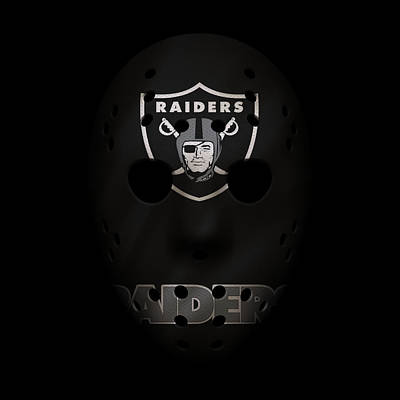 Photograph - Raiders War Mask 4 by Joe Hamilton