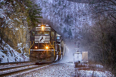 Wall Art - Photograph - Railroading In The Mountains by Cliff Middlebrook