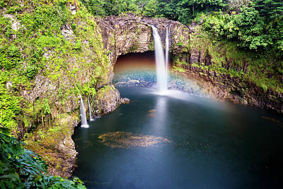 Photograph - Rainbow Falls Hawaii by Joe Belanger