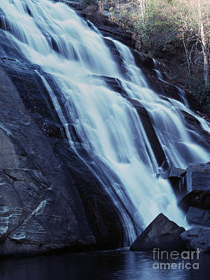 35mm Photograph - Rainbow Falls by Richard Rizzo