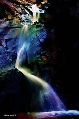 Photograph - Rainbow Falls by Wesley Nesbitt